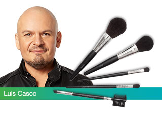 Get the latest looks from Mary Kay Global Makeup Artist Luis Casco.