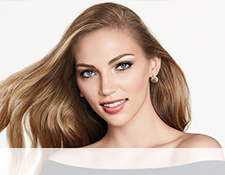 Get the step-by-step application tips for the In the Nude Look created by Mary Kay Guest Makeup Artist Sam Addington.  Image of model with In The Nude look applied.